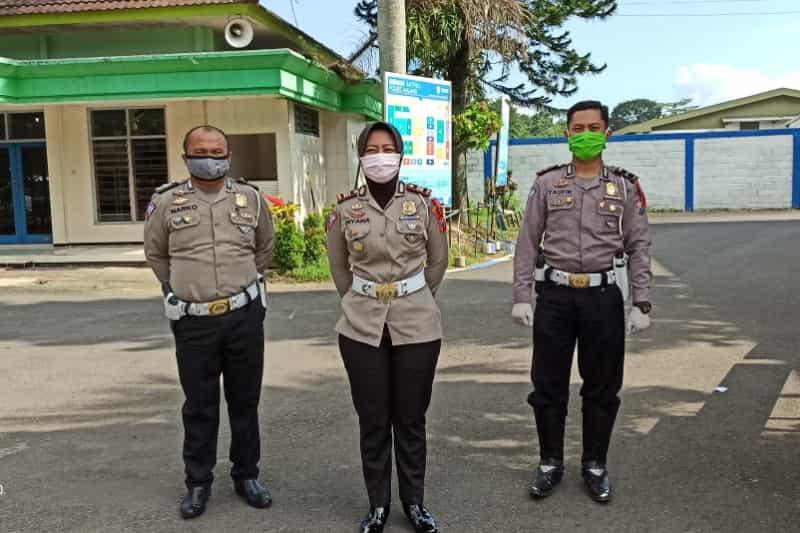 Polres Malang Salurkan Bantuan Ke Pengemudi Angkutan Umum